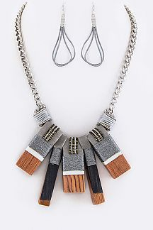 Wooden Charms Statement Necklace Set