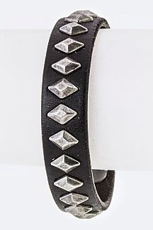 Rhonbus Studs Leather cuff