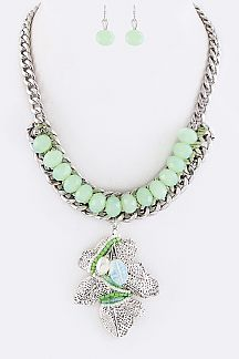 Beaded Metal Leaf Charm Collar Necklace Set