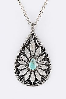 Ornate Teardrop Pendant Necklace Set