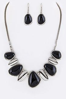 Paved Shell Pebbles Statement Necklace Set